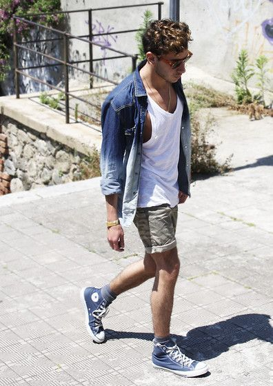 outfit converse azules hombre