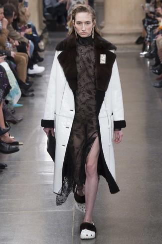 Look vestido negro invierno