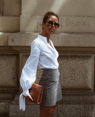 Look de moda: Gafas de sol en marrón oscuro, Cartera sobre