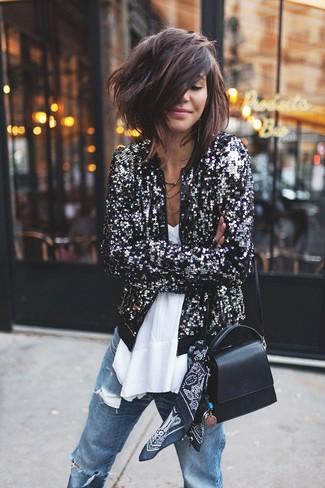 Haz de una cazadora de aviador de lentejuelas negra y una bandana negra tu atuendo para un look agradable de fin de semana.