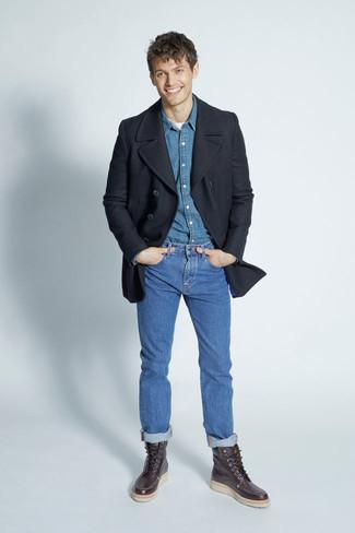 Look de moda: Chaquetón Negro, Camisa Vaquera Azul, Camiseta con Cuello Circular Blanca, Vaqueros Azules