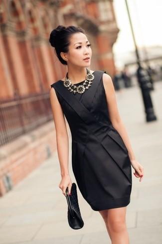 Una Cartera Sobre De Vestir Con Un Vestido Negro 215 Looks