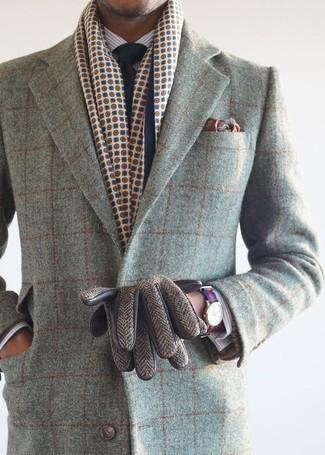 Cómo combinar: pañuelo de bolsillo estampado burdeos, corbata azul marino, camisa de vestir de rayas verticales blanca, abrigo largo a cuadros gris