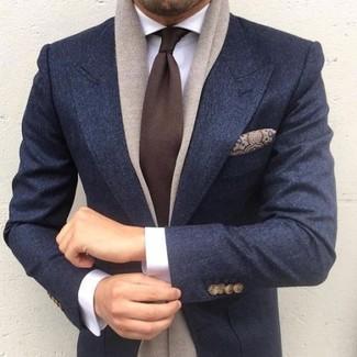 Cómo combinar: pañuelo de bolsillo de seda de paisley marrón, corbata en marrón oscuro, camisa de vestir blanca, blazer de lana azul marino