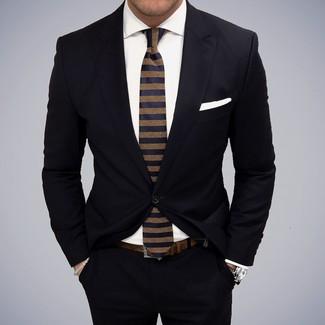 Cómo combinar: pañuelo de bolsillo blanco, corbata de rayas horizontales azul marino, camisa de vestir blanca, traje negro