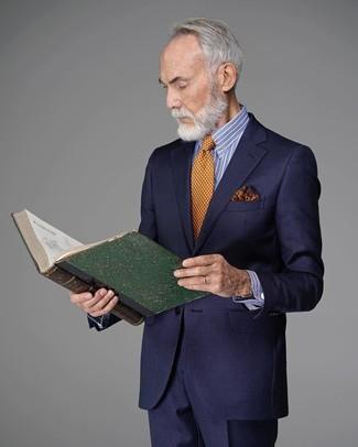 Cómo combinar: pañuelo de bolsillo estampado naranja, corbata a lunares naranja, camisa de vestir de rayas verticales en blanco y azul, traje azul marino