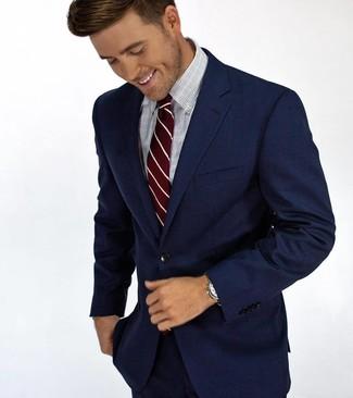 Cómo combinar: corbata de rayas verticales burdeos, camisa de vestir a cuadros celeste, traje azul marino