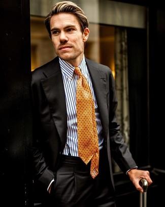 Cómo combinar: corbata estampada naranja, camisa de vestir de rayas verticales en blanco y azul, traje negro