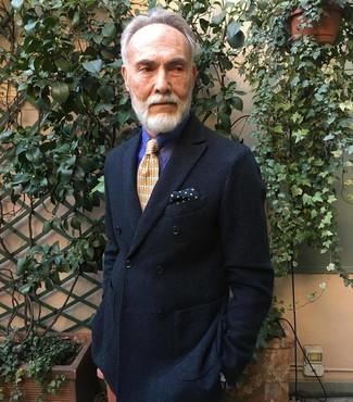 Cómo combinar: pañuelo de bolsillo a lunares azul marino, corbata estampada naranja, camisa de vestir de rayas verticales en violeta, blazer cruzado negro