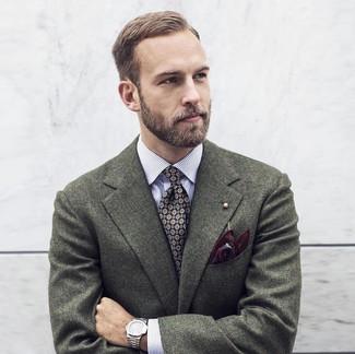 Cómo combinar: pañuelo de bolsillo estampado burdeos, corbata estampada negra, camisa de manga larga de rayas verticales blanca, blazer de lana verde oscuro