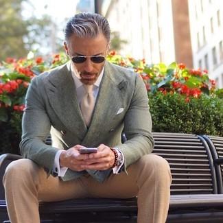 Cómo combinar: pañuelo de bolsillo blanco, corbata en beige, pantalón de vestir en beige, blazer cruzado en verde menta
