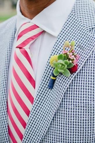 Combinar un blazer de cuadro vichy blanco: Ponte un blazer de cuadro vichy blanco y una camisa de vestir blanca para un perfil clásico y refinado.