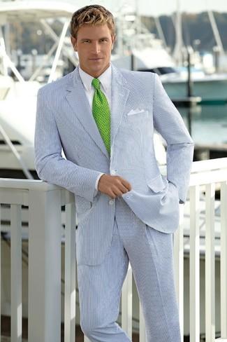 Combinar un traje de rayas verticales blanco: Intenta ponerse un traje de rayas verticales blanco y una camisa de vestir blanca para rebosar clase y sofisticación.