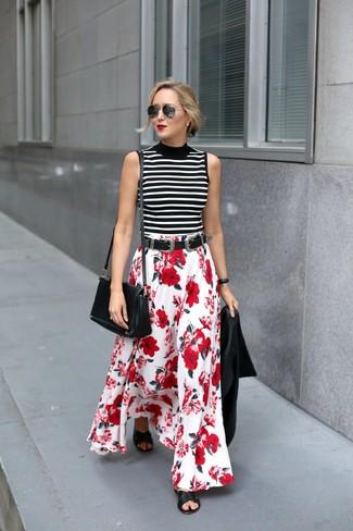 Cómo combinar: sandalias planas de cuero negras, falda larga con print de flores en rojo y blanco, jersey de cuello alto sin mangas de rayas horizontales en blanco y negro, chaqueta motera de cuero negra