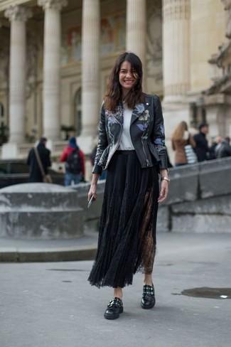 216132fbf Look de moda: Zapatos con doble hebilla de cuero negros, Falda larga ...