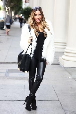 75f9959114bf Cómo combinar unos leggings de cuero negros (289 looks de moda ...