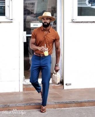 Combinar un pantalón de vestir azul estilo elegante: Elige una camisa polo en tabaco y un pantalón de vestir azul para un lindo look para el trabajo. Mocasín con borlas de cuero marrón dan un toque chic al instante incluso al look más informal.