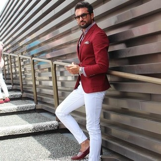 e8f991cc00 Cómo combinar un pantalón chino blanco con un blazer rojo (10 looks ...