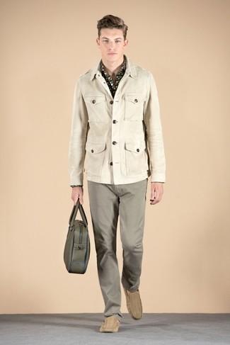 Cómo combinar una chaqueta militar en beige (8 looks de moda)  10b634b5c4988