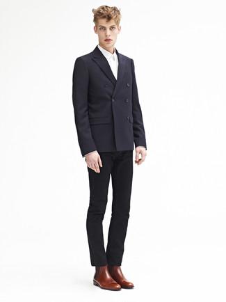 Combinar un blazer cruzado: Intenta combinar un blazer cruzado con un pantalón chino negro para lograr un estilo informal elegante. Botines chelsea de cuero marrónes son una opción inmejorable para complementar tu atuendo.