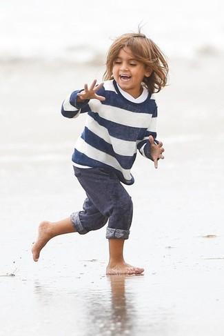 Cómo combinar: pantalón de chándal azul marino, jersey de rayas horizontales en blanco y azul marino