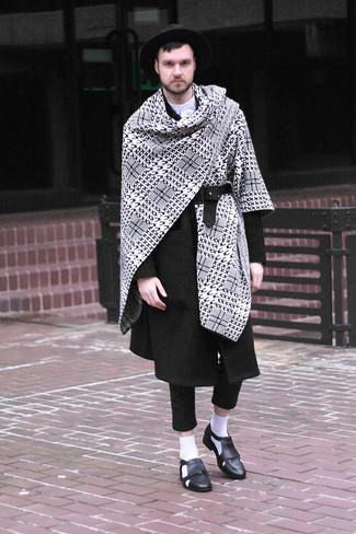 Mocasín con borlas de cuero negro de Jimmy Choo