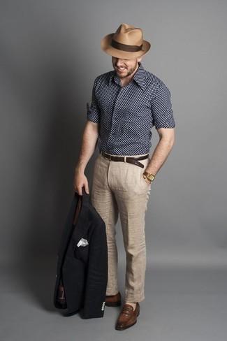 Combinar un mocasín de cuero marrón: Considera emparejar un blazer azul marino con un pantalón de vestir de lino en beige para rebosar clase y sofisticación. Mocasín de cuero marrón son una opción grandiosa para complementar tu atuendo.