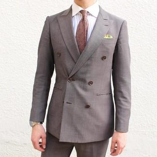 Combinar una corbata a lunares marrón: Intenta ponerse un blazer cruzado marrón y una corbata a lunares marrón para un perfil clásico y refinado.