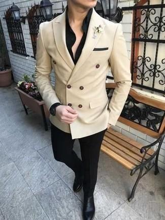 Combinar una camisa de vestir negra para hombres de 30 años: Usa una camisa de vestir negra y un pantalón de vestir negro para un perfil clásico y refinado. Mezcle diferentes estilos con botines chelsea de cuero negros.