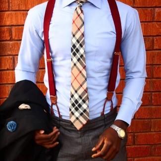 Cómo combinar: corbata de tartán marrón claro, pantalón de vestir en gris oscuro, camisa de vestir celeste, blazer negro