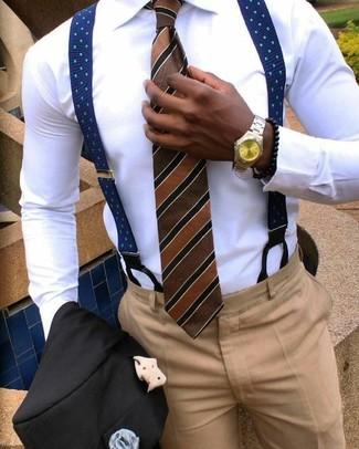 Cómo combinar: corbata de rayas verticales marrón, pantalón de vestir marrón claro, camisa de vestir blanca, blazer negro