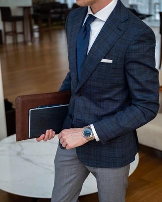 Cómo combinar: corbata azul marino, pantalón de vestir de tartán gris, camisa de vestir blanca, blazer de tartán azul marino
