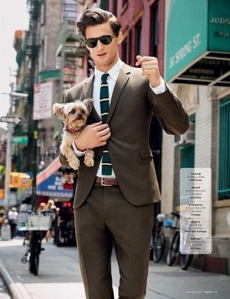 Cómo combinar: corbata de lana de rayas horizontales en verde azulado, pantalón de vestir marrón, camisa de vestir blanca, blazer marrón