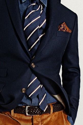 Cómo combinar: corbata de rayas verticales en azul marino y blanco, pantalón de vestir de pana marrón, camisa vaquera azul marino, blazer de lana azul marino