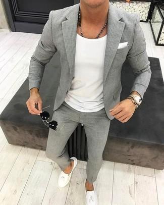 Combinar Un Pantalon De Vestir De Rayas Verticales Gris En Verano 2020 9 Looks Outfits Hombre Lookastic Mexico