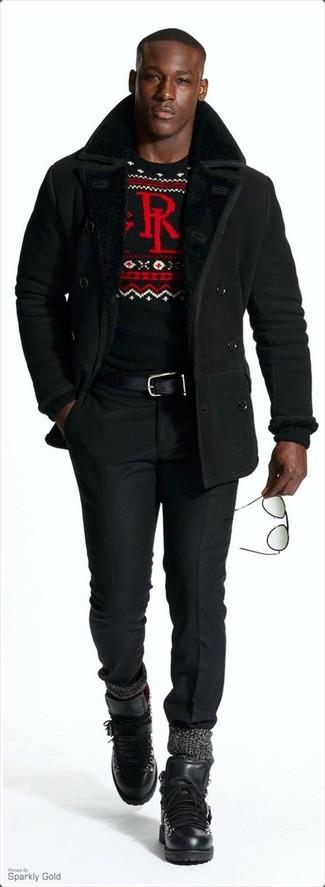Combinar unas botas de trabajo de cuero negras: Emparejar un abrigo de piel de oveja negro con un pantalón de vestir negro es una opción grandiosa para una apariencia clásica y refinada. Mezcle diferentes estilos con botas de trabajo de cuero negras.