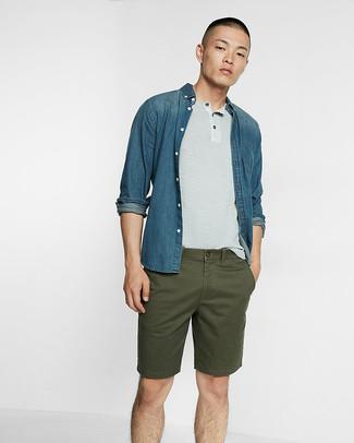 b54102bf8a Unos pantalones cortos de vestir con una camisa vaquera azul (16 ...