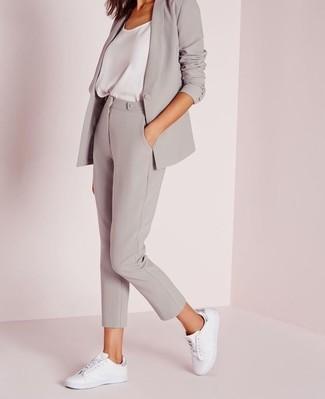 bc00100d14 Cómo combinar unos pantalones pitillo grises (62 looks de moda ...