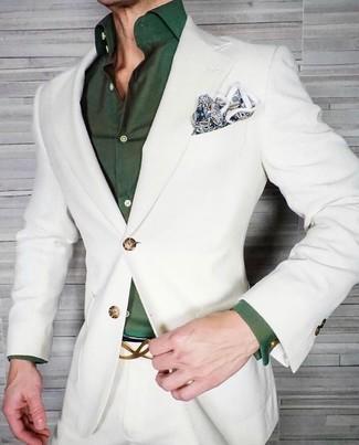 Cómo combinar: pañuelo de bolsillo de paisley azul, camisa de vestir verde oscuro, traje blanco
