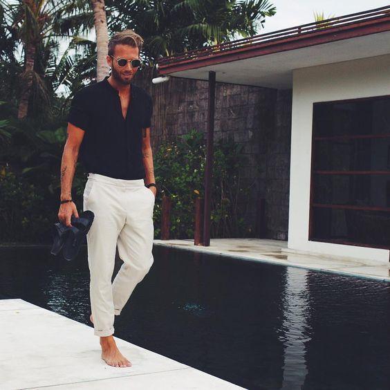 11 Una Combinar Camisa Beige Cómo Con Unos Pantalones Negra En vzqw5xS