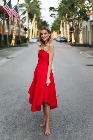 8bf56615227f3 Cómo combinar un vestido de fiesta burdeos (5 looks de moda)