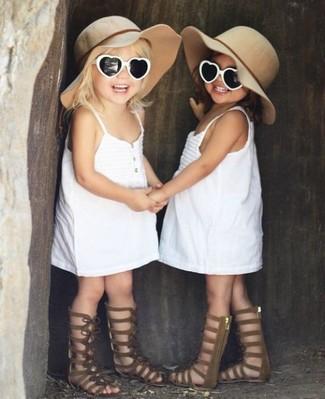 Combinar un sombrero en beige: