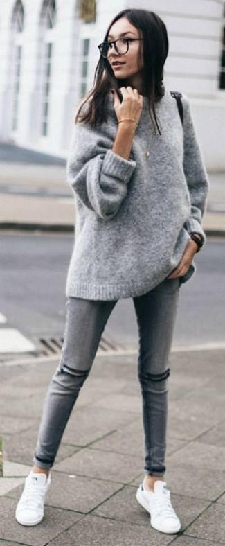 ad25ec5ee Look de moda: Tenis blancos, Vaqueros pitillo desgastados grises ...