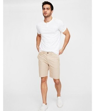 Camiseta henley blanca