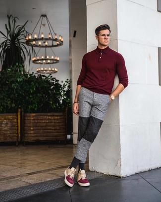 Combinar unos tenis de cuero en multicolor: Equípate un polo de manga larga burdeos junto a un pantalón de chándal gris para conseguir una apariencia relajada pero elegante. ¿Quieres elegir un zapato informal? Opta por un par de tenis de cuero en multicolor para el día.