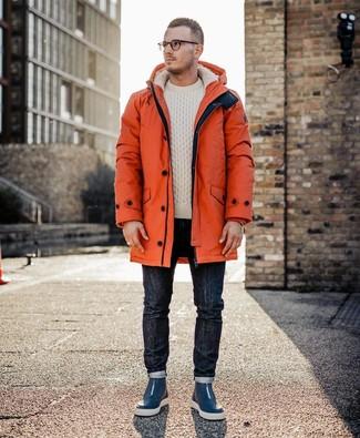 Combinar una parka naranja: Empareja una parka naranja con unos vaqueros azul marino para un look agradable de fin de semana. Zapatillas altas de cuero azul marino son una opción muy buena para completar este atuendo.