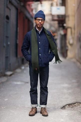 Combinar una bufanda verde oscuro: Elige una chaqueta estilo camisa azul marino y una bufanda verde oscuro para un look agradable de fin de semana. Complementa tu atuendo con zapatos derby de cuero marrónes para mostrar tu inteligencia sartorial.