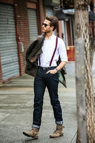Combinar un chaquetón: Intenta ponerse un chaquetón y unos vaqueros azul marino para crear un estilo informal elegante. Complementa tu atuendo con botas casual de ante marrón claro.
