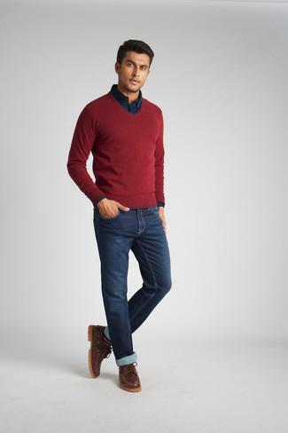 Combinar unos náuticos: Usa un jersey de pico burdeos y unos vaqueros azul marino para una vestimenta cómoda que queda muy bien junta. Náuticos son una opción práctica para complementar tu atuendo.