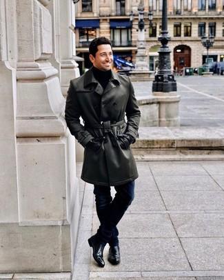 Combinar unos guantes de cuero negros: Intenta combinar una gabardina de cuero negra con unos guantes de cuero negros para un look agradable de fin de semana. Botines chelsea de cuero negros proporcionarán una estética clásica al conjunto.